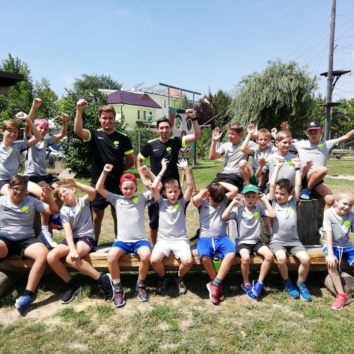 Gruppenfoto NEO FOOTBALL Camp